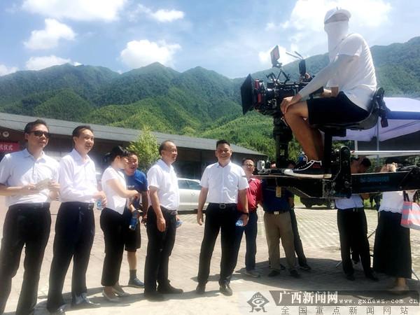 电影 《北纬25°天空下》在兴安开拍年底上映