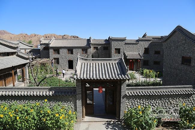景在城中 人在画中--张掖丹霞口民俗村诗与远方同在