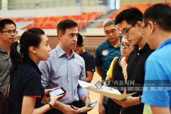 国际羽联官员现身南宁 考察2019苏迪曼杯筹备情况