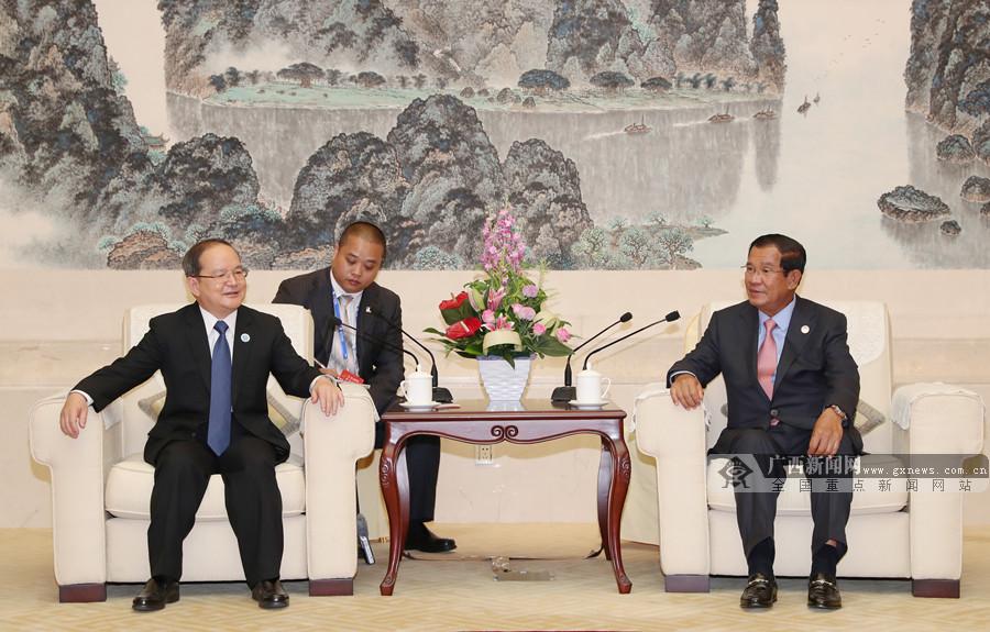 鹿心社陈武分别会见出席第15届东博会的各国政要