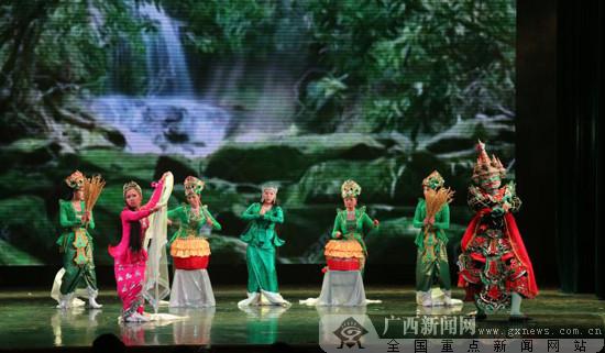 """第12届""""红铜鼓""""中国-东盟艺术教育成果展演举行"""