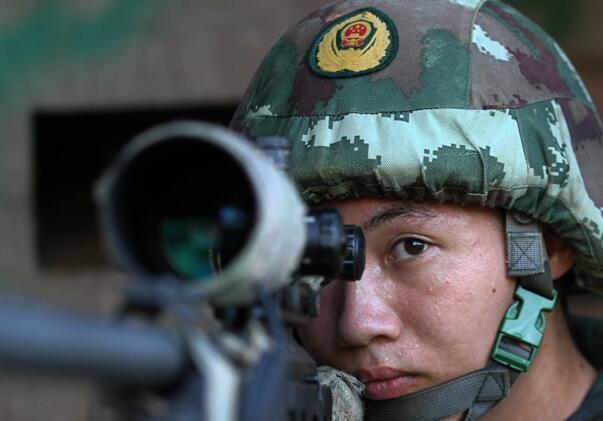 高清:广西武警特战队员多科目竞技 上演巅峰对决