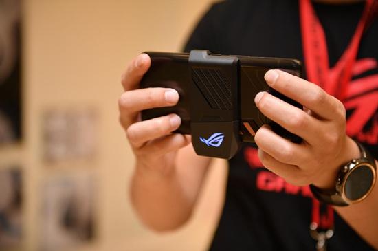 电竞圈极致尊宠,ROG游戏手机盛装来袭!