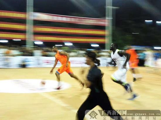 柳州市篮球锦标赛暨社区篮球赛激情上演