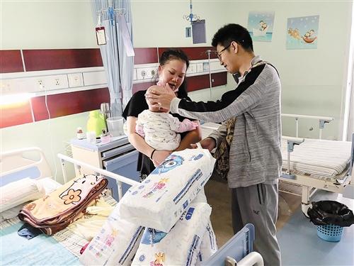 6个月大婴儿患恶性淋巴肿瘤   巨额治疗费让家人犯愁