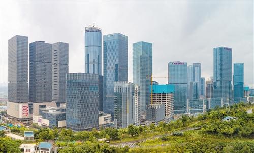 五象新区总部基地金融街117栋高层建筑封顶已达75%
