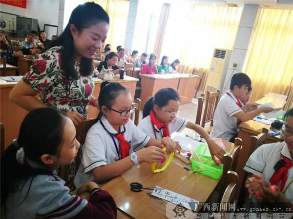 桂雅路小学:综合实践课程送教到宾阳