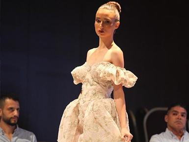 """黎巴嫩举办第三届""""设计师与品牌""""时装秀"""