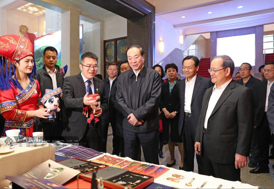 广西文化艺术作品展在京开展 黄坤明马飚巴特尔李兆焯到场观展