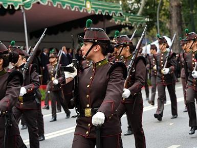 葡萄牙举行盛大阅兵式纪念一战结束100周年
