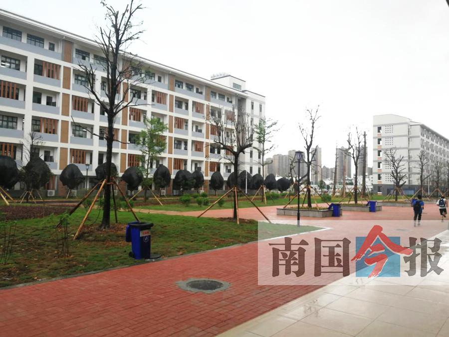 柳州发布攻坚计划 到2020年普及高中阶段教育