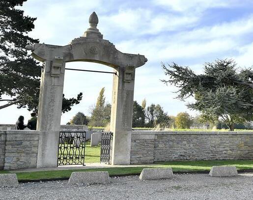 探访法国华工公墓