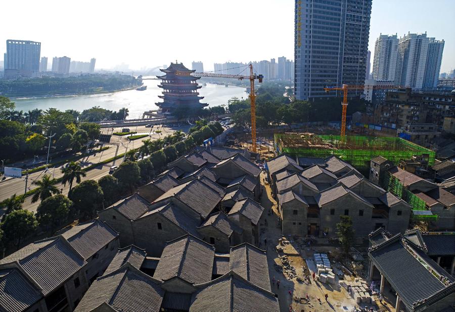 """11月13日焦点图:南宁""""三街两巷""""改造进入尾声"""