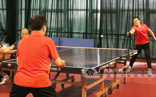 2018年玉林市乒乓球大赛:200余选手竞相上阵比拼