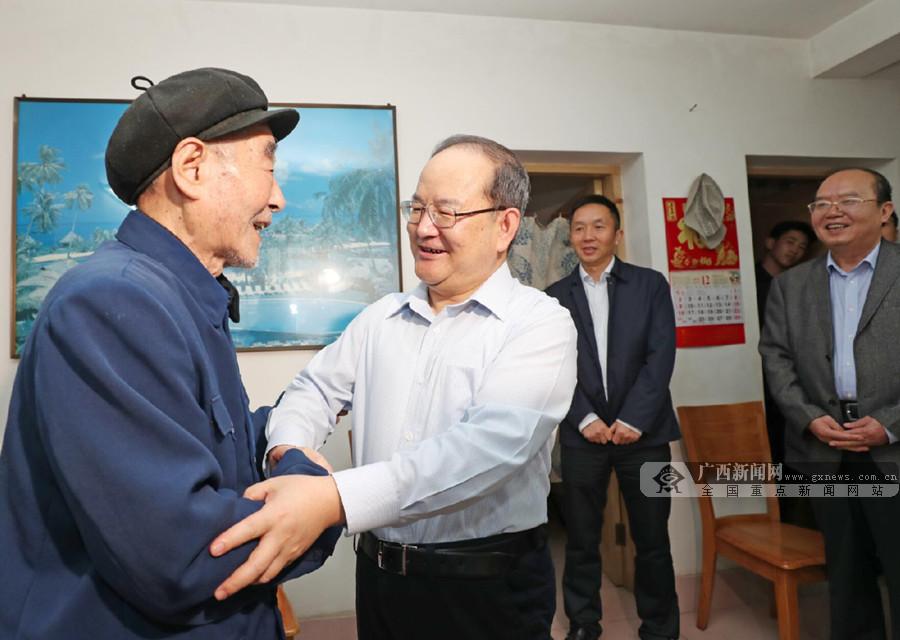鹿心社看望慰问赵富林李四方赵永祥
