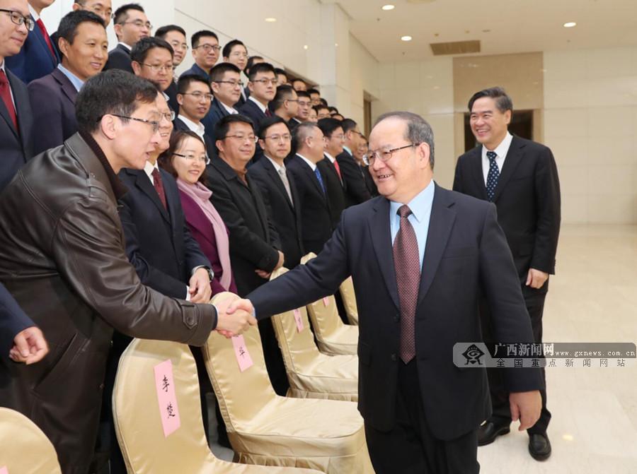 鹿心社出席来桂中央博士服务团送迎活动