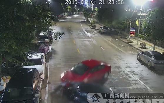 上思一男子无驾照租车肇事逃逸被行拘