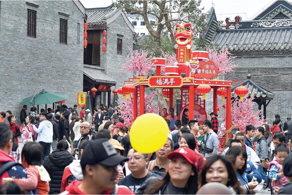 南宁新景点成为春节假期旅游热点:过欢乐文化年