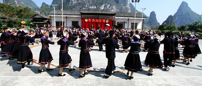 大新县宝圩乡板价村以独特的方式庆祝新春佳节