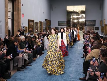 纽约:博物馆里秀时尚