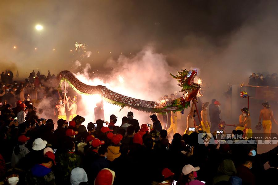 宾阳:炮龙节吸引44万游客