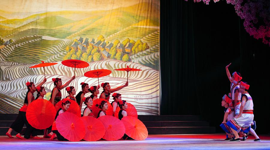 龙胜举行农村业余文艺汇演喜迎元宵佳节(组图)