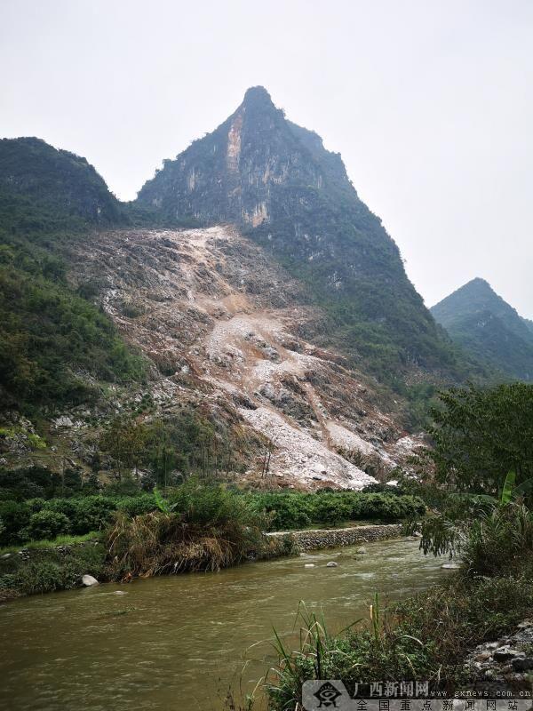 阳朔突发岩石崩塌 事故未造成人员伤亡