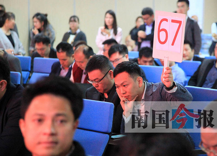 柳州新春土拍第一战:16宗土地15宗底价成交(图)