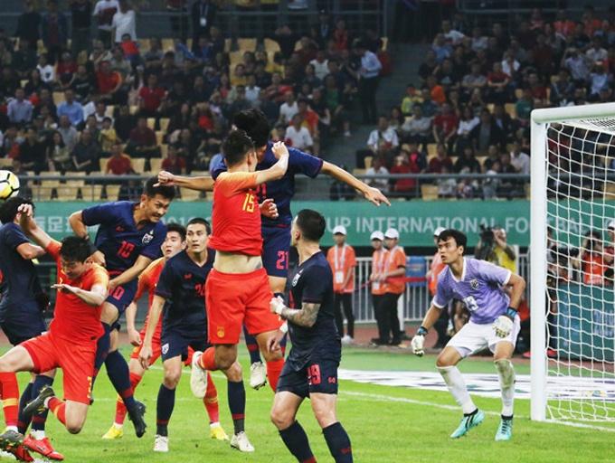 国足0-1负于泰国