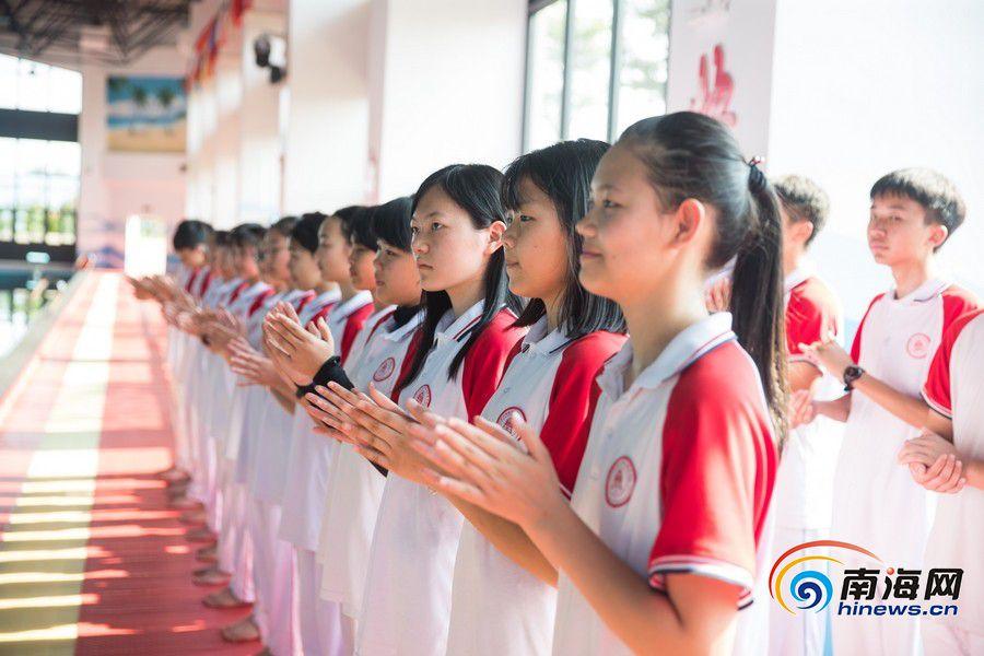 北师大海口附属学校游泳馆正式投用 将游泳教育形成常态化