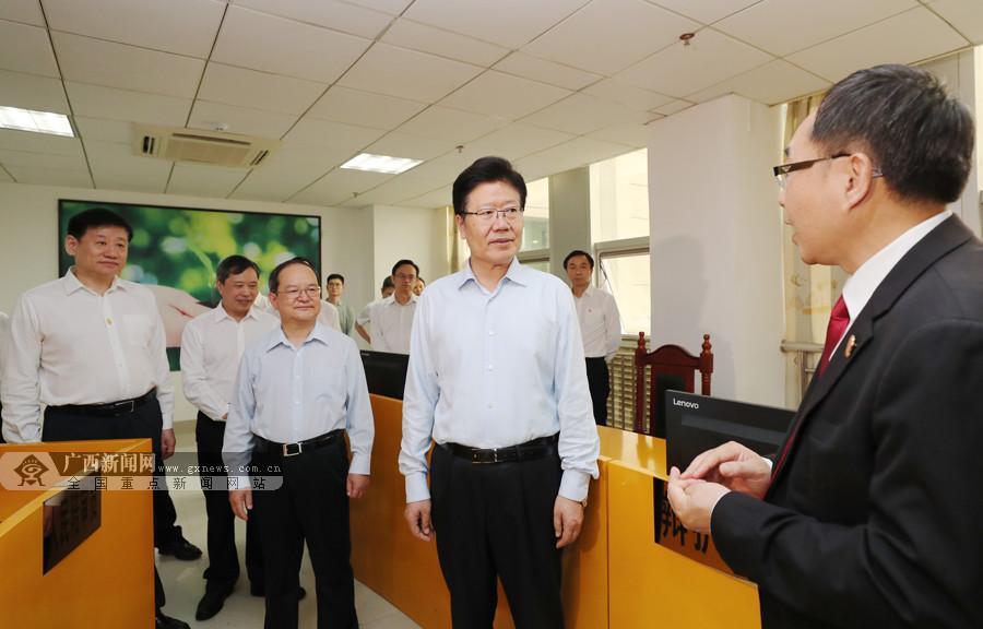 全国人大常委会副委员长张春贤来桂调研