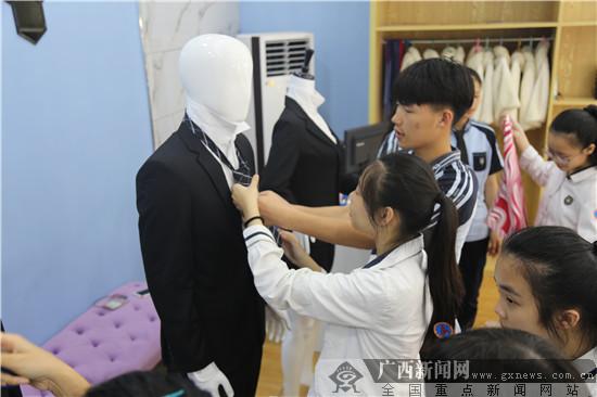 百名初中生走进南宁六职校体验职教魅力