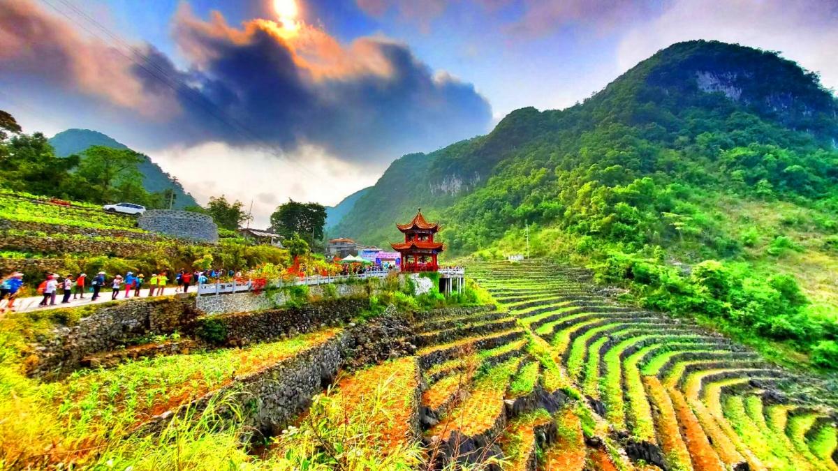 """2019徒步中国•全国徒步大会百色""""地心之旅""""举行"""