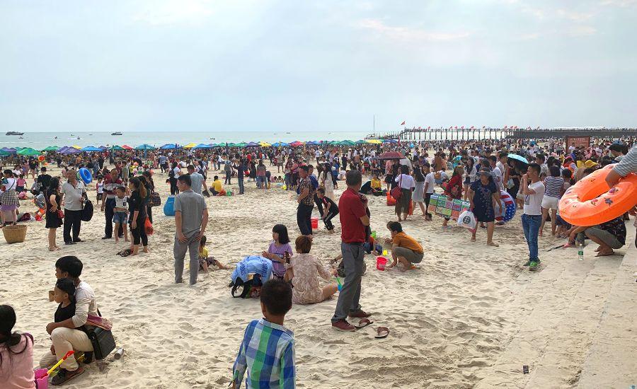 北海假期首日接待游客13.1万人次 同比增长21.3%