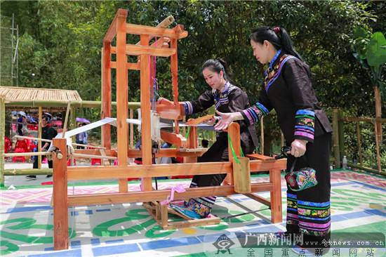 """乐业:卜隆古歌文化旅游节盛装迎游客回""""家"""""""