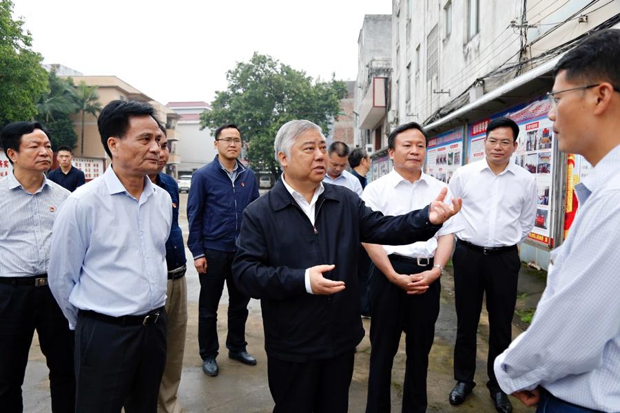 盛茂林:推动扫黑除恶专项斗争取得新的更大成效