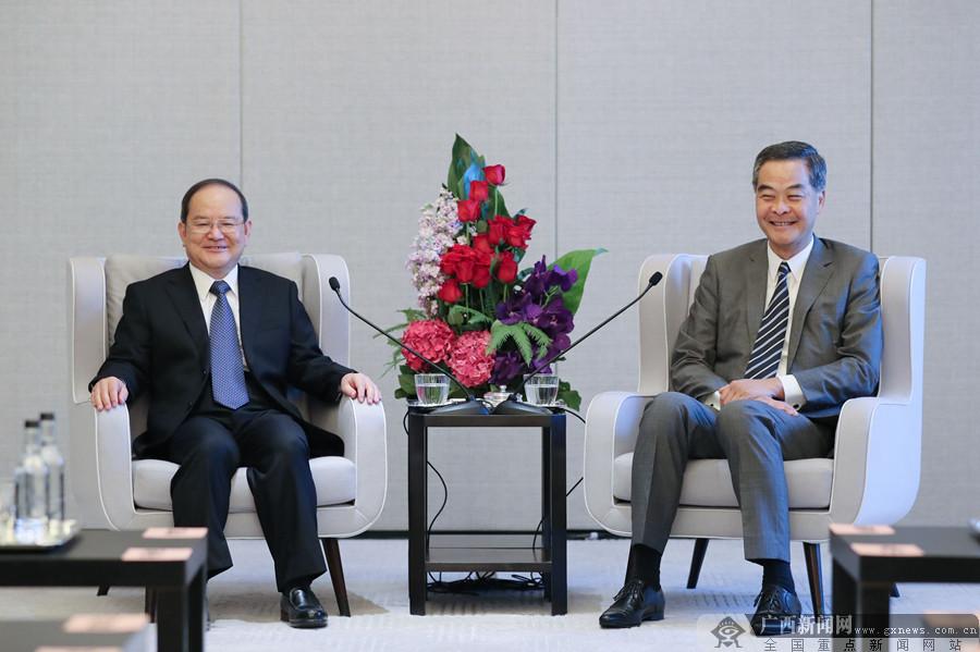 鹿心社在香港拜会全国政协副主席梁振英