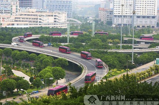 人便于行 貨暢其流——新中國成立70年廣西交通運輸建設發展成就·道路運輸篇