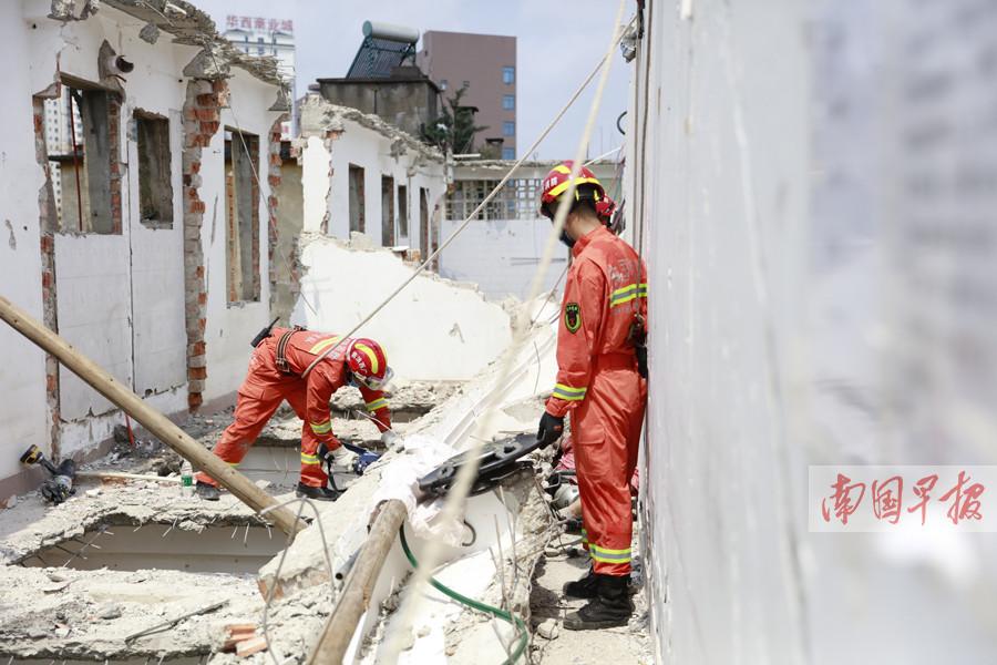 南宁一居民楼拆除时意外坍塌 1人重伤2人不幸身亡