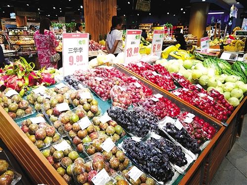 """水果""""涨""""声四起市民感叹吃不起 诸多因素是推手"""