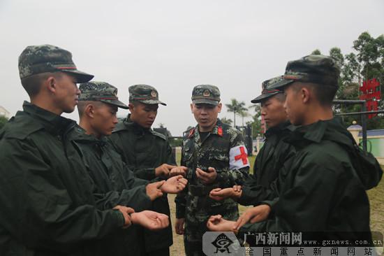"""直击武警钦州支队""""热习服""""训练(组图)"""