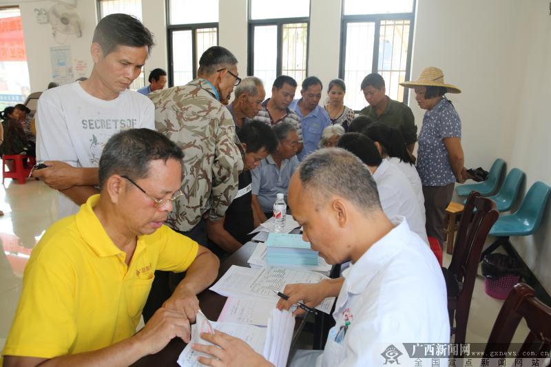 西乡塘区:贴心服务贫困户 上门筛查特殊慢性病