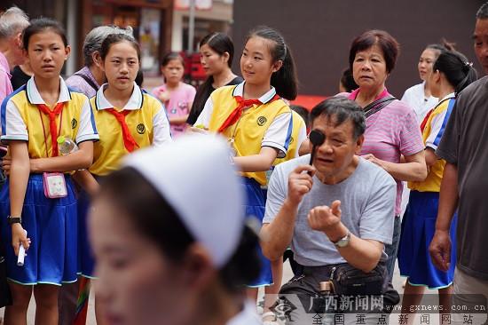 全国爱眼日 ag电子游艺官网市红十字会医院倡议学生科学用眼