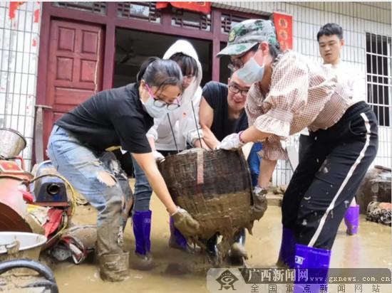 龙珠珠:在抗洪抢险中展现妇联人担当