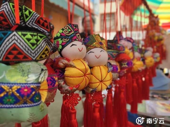 上林县三里镇¡°渡河公¡±民俗文化旅游节精彩上演