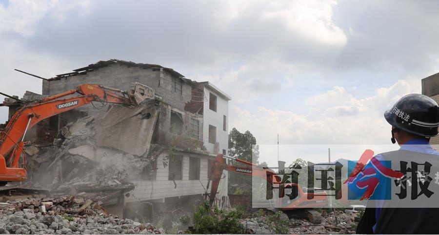 """柳州一�`建""""�排�e墅""""被拆 �面�e�_1226平方米"""