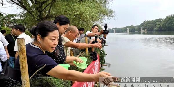 记者再走长征路 湘江边祭牺牲烈士坚守初心的执着