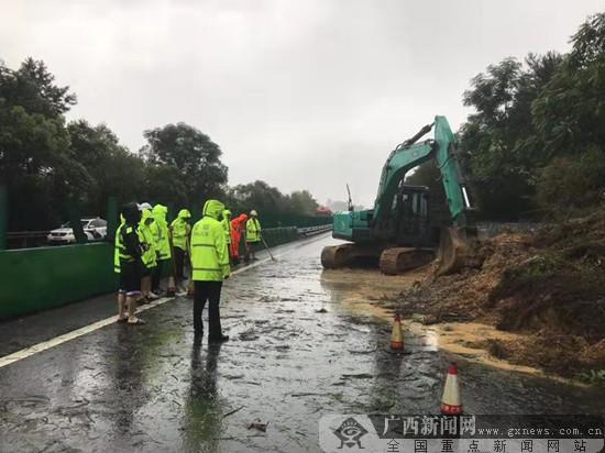 广西交通运输部门联动预防抢通保畅
