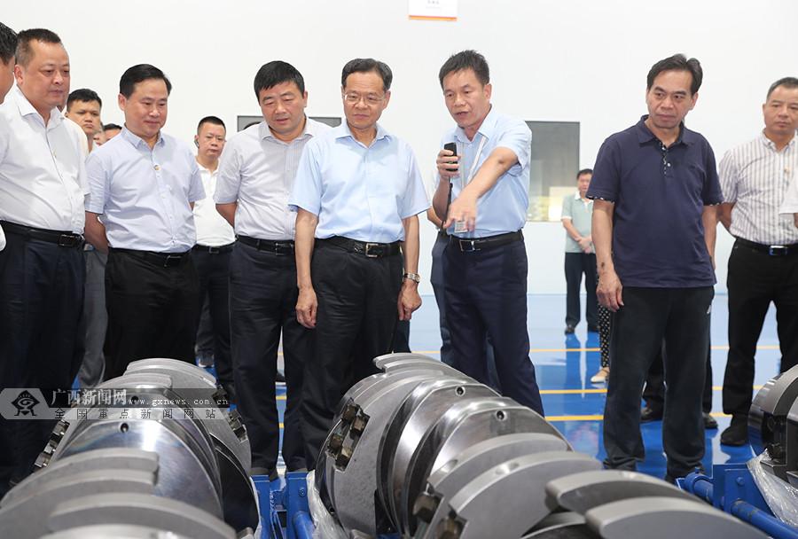 全区年中工作会议第二组代表在贺州桂林观摩