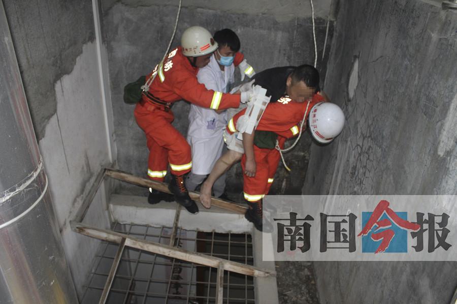 三江男子检查电路 不慎触电从天井七楼坠落到六楼